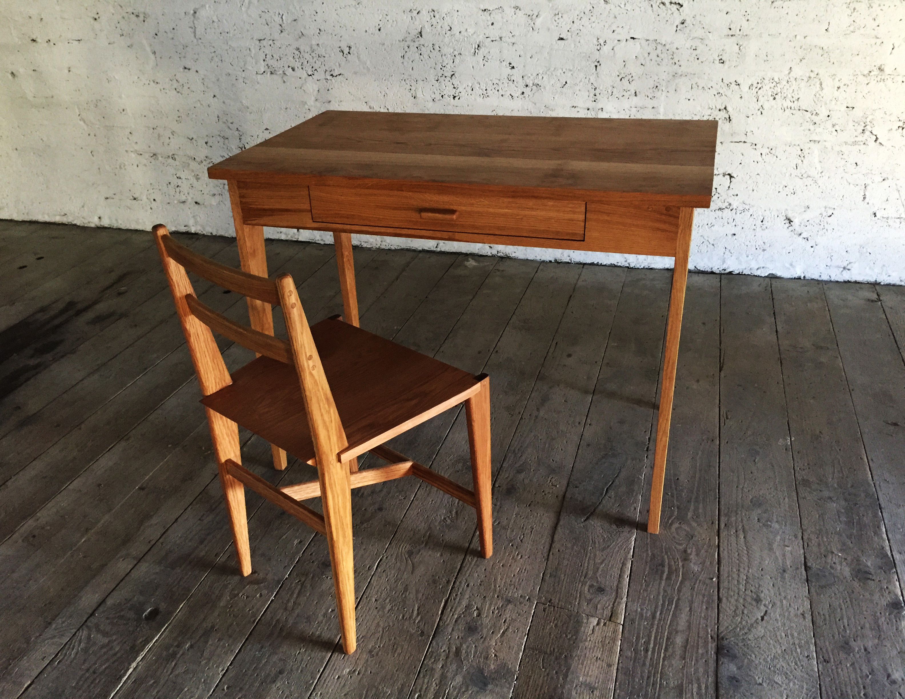 Desk with chair 1 a